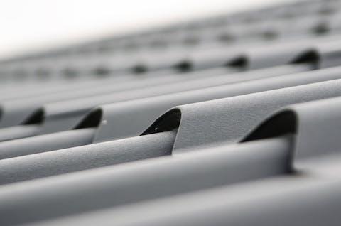 En takläggning bör göras av fackmän